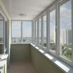 Какое остекление балкона выбрать: теплое или холодное?